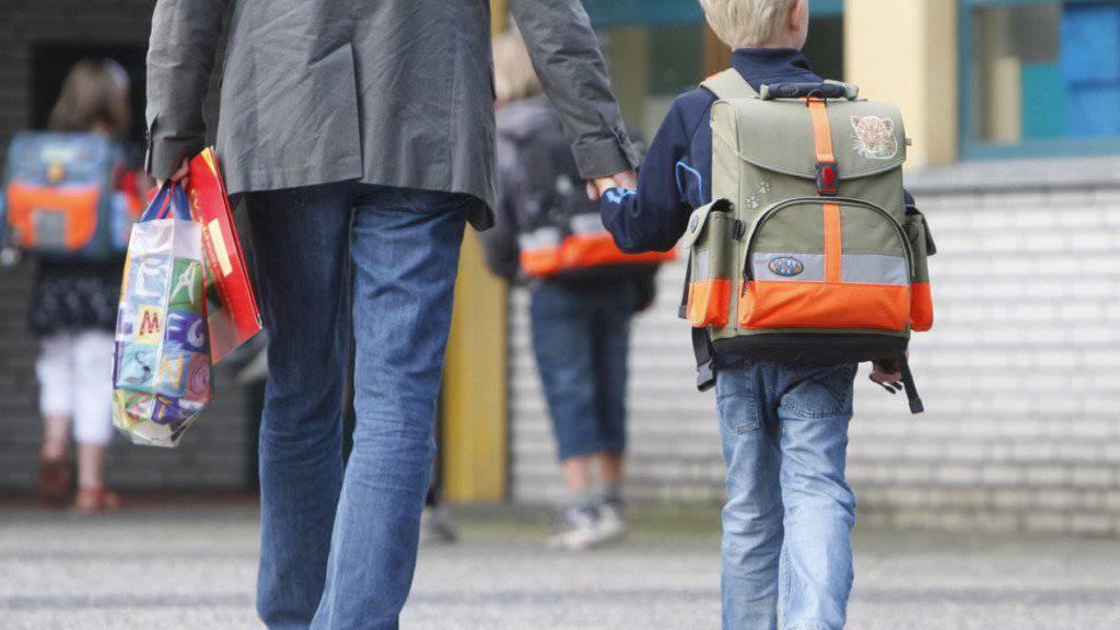 Eltern sollen mit ihren Kindern den Schulweg üben, rät Pro Juventute.(Symbolbild)