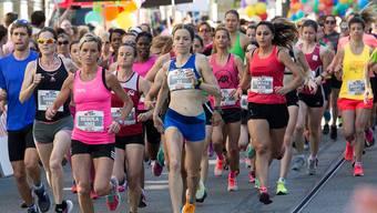 Welche von diesen Läuferinnen wissen schon, dass der Berner Frauenlauf (jeweils im Juni) ihre Daten an die Krankenkasse KPT weitergibt?