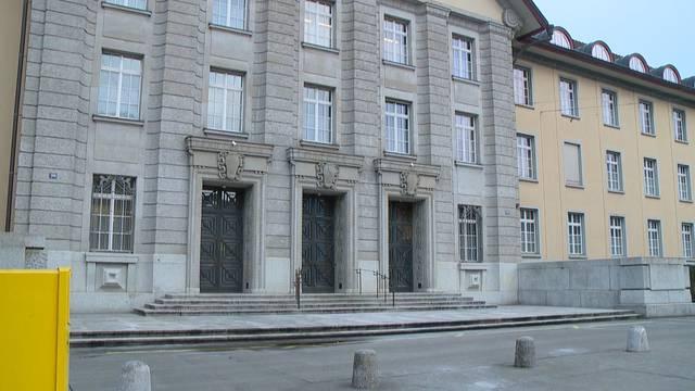 20 Jahre Gefängnis für Messerstecherin von Albisrieden gefordert