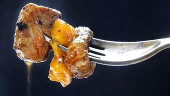 Der Bub soll jetzt einmal pro Woche Fleisch zu essen bekommen. (Archiv)
