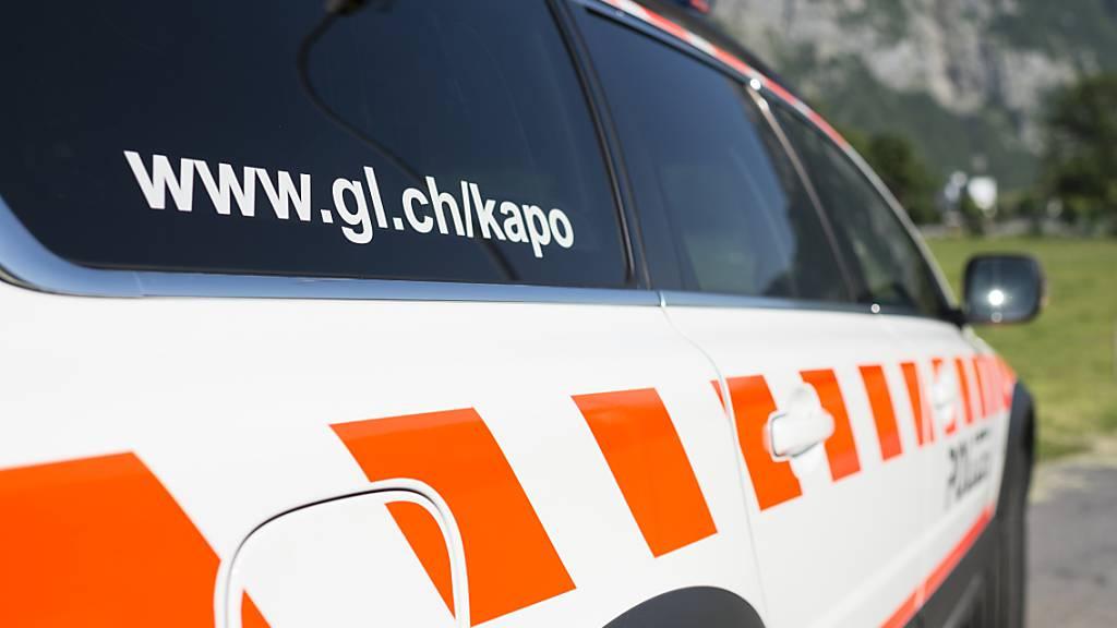 Nach Angaben der Kantonspolizei Glarus ist eine vermisste Berggängerin bei Näfels tot aufgefunden worden. (Symbolbild)