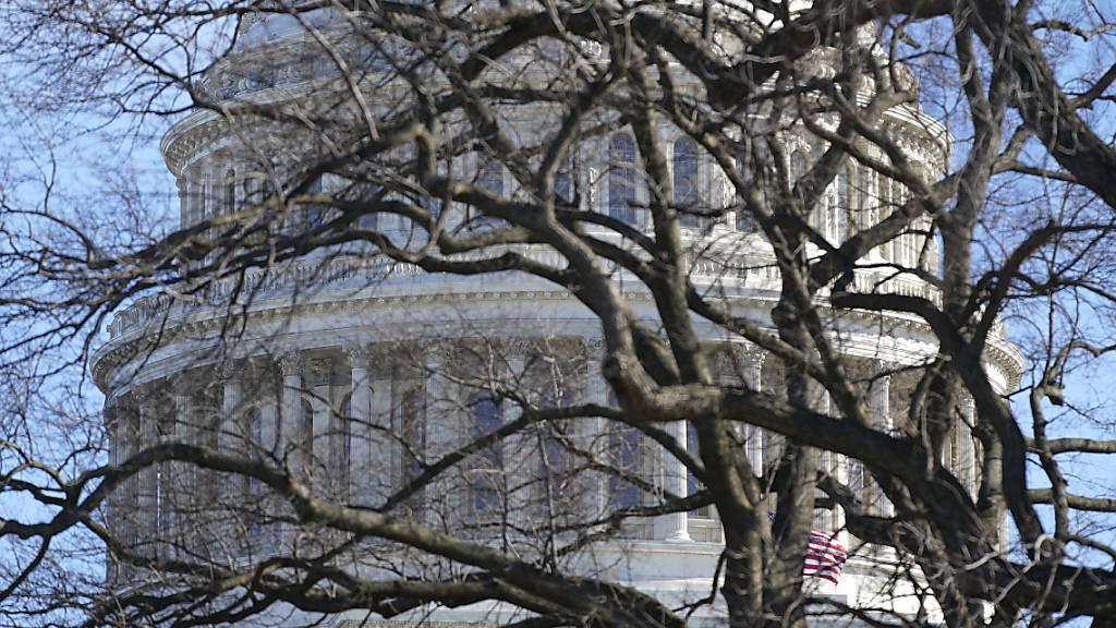 Nach der Erstürmung des Kapitols verschärfen die US-Behörden die Sicherheitsvorkehrungen für die anstehende Amtseinführung des künftigen Präsidenten Joe Biden. Foto: Patrick Semansky/AP/dpa