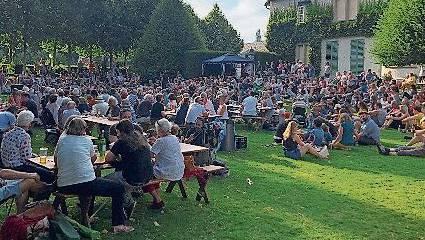 1.-August-Feier im Park des Museums Langmatt.