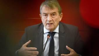 DFB-Präsident Wolfgang Niersbach tritt zurück.