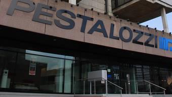 Trotz Verkauf: Die Firma Pestalozzi behält ihre Büroräume vorerst. (Nicolas Kucera)
