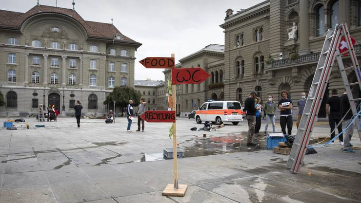 Der leer geräumte Bundesplatz.