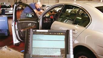 Das Auto-Diagnosegerät ist wertvoll und wird für etliche Messungen am Fahrzeug gebraucht (Archivbild)