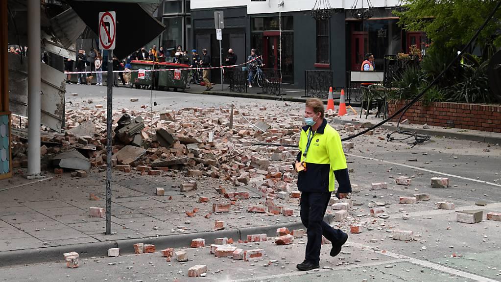 Ein Erdbeben hat in der australischen Metropole Melbourne erhebliche Schäden verursacht.