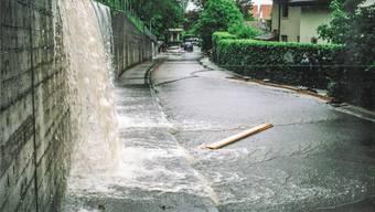 Überschwemmungen an der Kochsmattstrasse am 12. Mai 1999: Das soll in dieser Art in Eggenwil künftig nicht mehr passieren.
