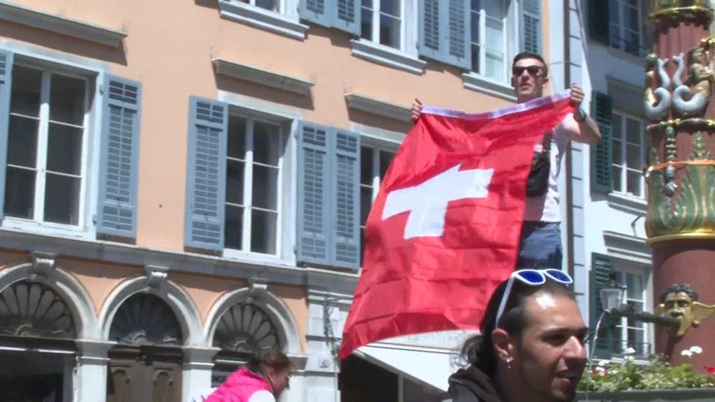 Polizei kesselt Corona-Massnahmen-Gegner in Solothurn ein