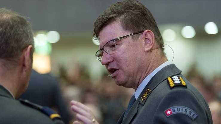 Als Nachfolger steht Korpskommandant Aldo C. Schellenberg (60) bereit. Er ist interessiert, doch ihm werden geringere Chancen eingeräumt. Schellenberg ist Chef Kommando Operationen und Stellvertreter von Armeechef Rebord.