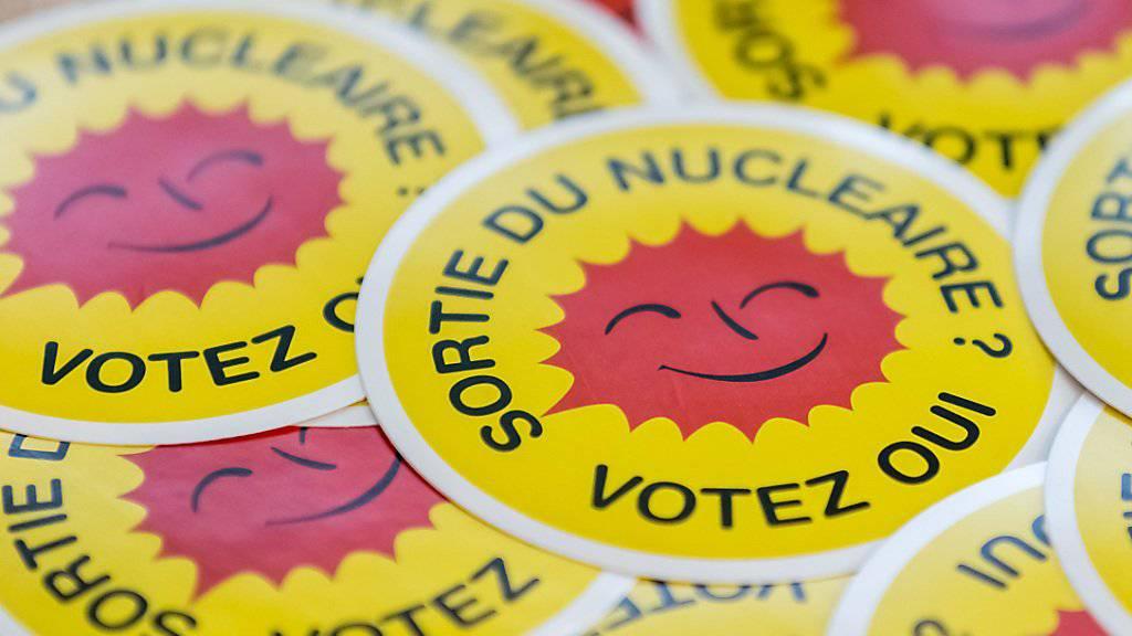 Die Umweltschützer geben nicht auf: Trotz gescheiterter Atomausstiegsinitiativen wollen sie den Bundesrat zum schnellen AKW-Stopp bewegen. Eine neue Studie liefert ihnen Argumente. (Themenbild)