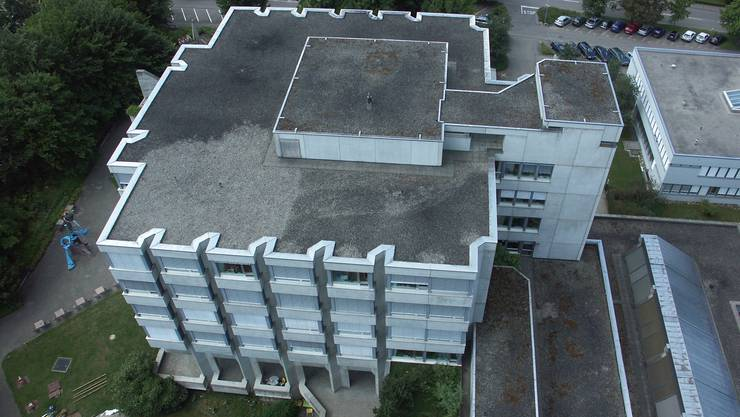 Das Pflegezentrum am Spital Limmattal. Schlieren fragt den Spitalverband an, ob die Stadt im Rahmen des Neubaus 40 zusätzliche Betten erhalten kann. Damit könnte sich Schlieren den Neubau ihres Alters- und Pflegeheims Sandbühl sparen.