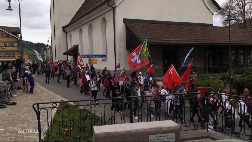 Corona-Demo in Bern im Keim erstickt, Zürcher Demo nach Urnäsch verlegt