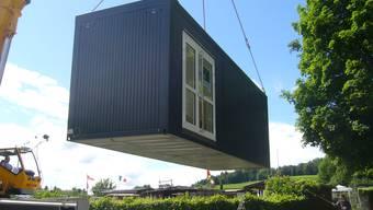 Mit der Aufstellung der Ausweichcontainer bei der Schule Wolfsmatt ist in diesem Jahr eine Schulraum-Massnahme umgesetzt worden. 2017 wird der Wettbewerb zur Erweiterung des eigentlichen Schulhauses durchgeführt werden.