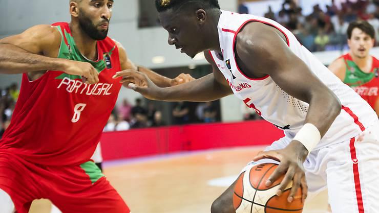 Auch NBA-Star Clint Capela vermag der Schweiz gegen Portugal nicht zum Sieg zu verhelfen