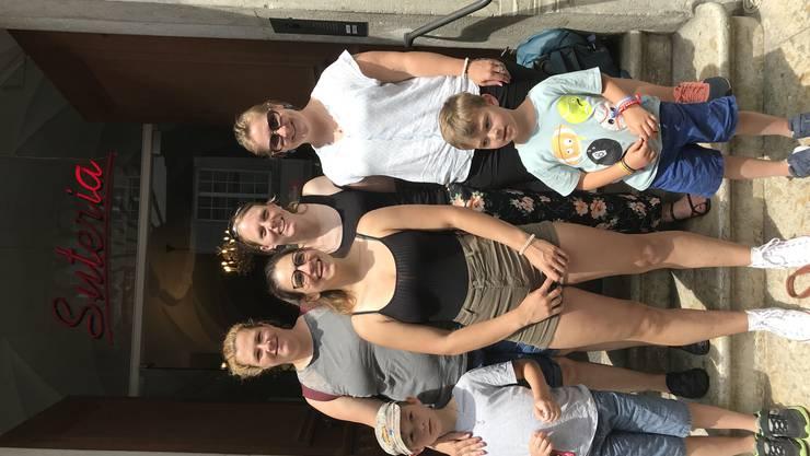 Gruppe 1: Justin, Sarah, Laura, Sarah, Tim und Rahel
