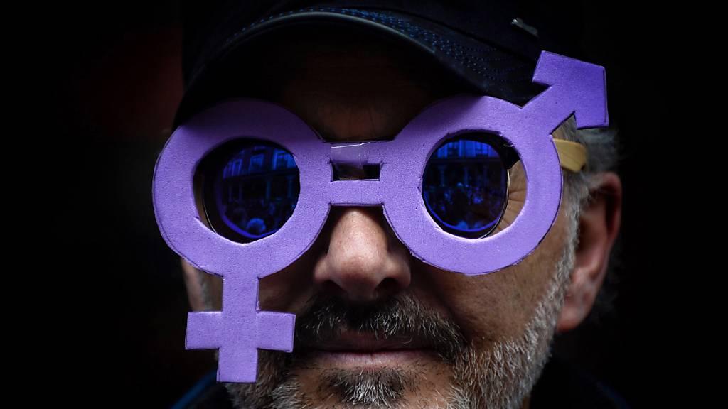 Pandemie verzögert Gleichstellungs-Fortschritt um eine Generation
