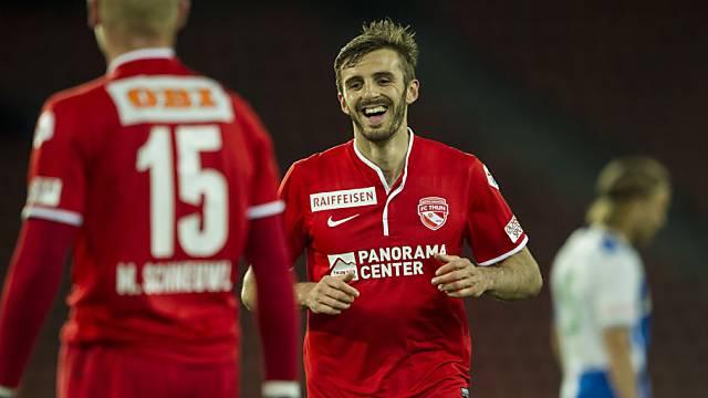 Ein lächelnder Adrian Nikci.