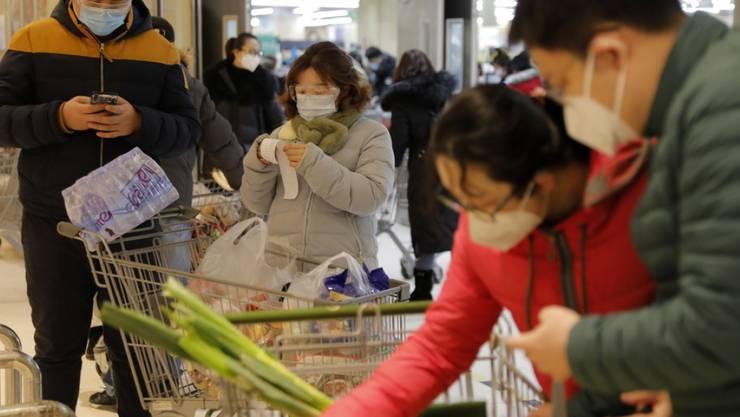 Einkaufen in Peking zu Zeiten des Coronavirus.