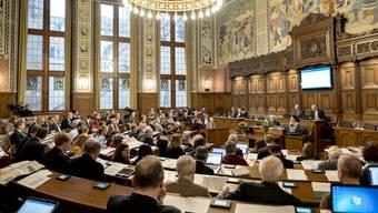 Die Finanzkommission des Grossen Rates hat die Staatsrechnung einstimmig gutgeheissen. (Archiv)