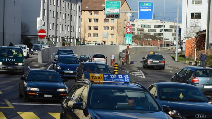 Der Autobahn-Zubringer Allschwil soll in Basel in die Nordtangente münden – auf dem Bild: die Einfahrt Luzernerring.