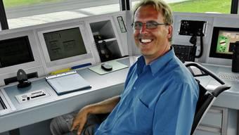 Markus Binggeli, Chef Flugsicherung, im Tower des Flughafens.  ler