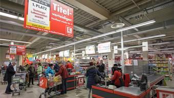 Einkaufen! Schweizer geben im Landkreis Waldshut 386 Millionen Euro aus. Archiv