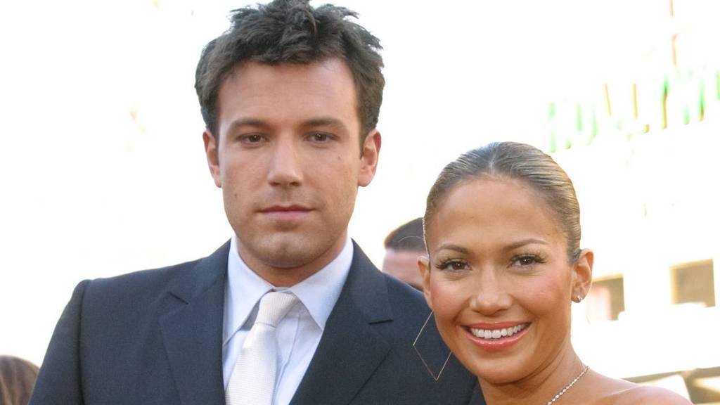 Jetzt ist es offiziell: Jennifer Lopez und Ben Affleck zeigen sich knutschend