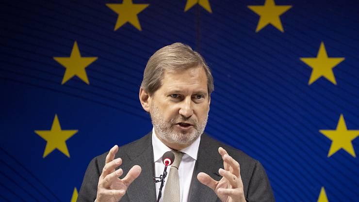 Der für Nachbarschaftspolitik zuständige EU-Kommissar Johannes Hahn hat am Montag in Brüssel bekannt gegeben, dass die Äquivalenz für die Schweizer Börse um sechs Monate verlängert werden soll. (Archiv)
