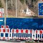 Die Grenzen zwischen Deutschland und Österreich sollen am 15. Juni wieder vollständig geöffnet werden. (Archivbild von Grenze in Aschau im Chiemgau)