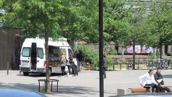 Seit Juni steht der Food-Truck wochentags auf dem Campus.