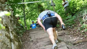 1150 Stufen hinauf geht es beim 1000er-Stägli-Wettkampf und dann schnell wieder hinunter in die Festwirtschaft.gam