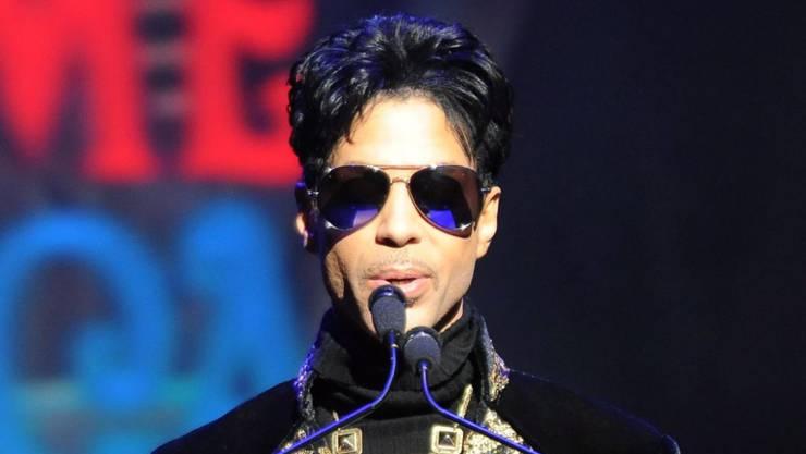 Dreieinhalb Jahre nach seinem Tod sollen die unvollendeten Memoiren von US-Popstar Prince Ende Oktober 2019 veröffentlicht werden. (Archivbild)