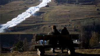 Kein Niederschlag, kein Schnee: Lange ging Wintersport heuer nur dank künstlicher Beschneiung.