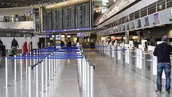 Die Lufthansa ist im Streit mit der Flugbegleitergewerkschaft UFO nach den Worten von Vorstandschef Carsten Spohr zu einer Schlichtung bereit. Das Unternehmen wolle mit allen drei Gewerkschaften der Kabine Gespräche aufnehmen, erklärte Spohr.
