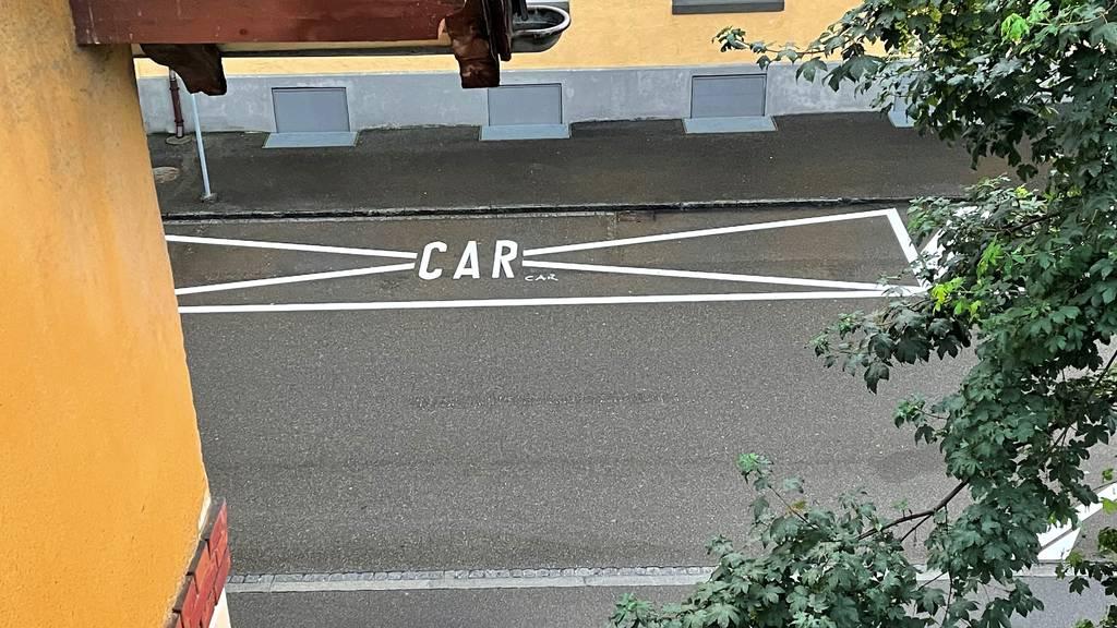 Car-Parkplätze für Bädertouristen sind schon mal reserviert