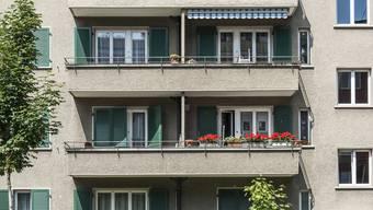 Die neue Siedlung mit 120 Wohnungen, einem Park und einer Schulanlage soll zwischen Hofwiesen-, Wehntaler-, Nordheim- und Käferholzstrasse entstehen. (Symbolbild).