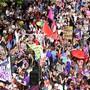Frauen sind zum Frauenstreiktag in der ganzen Schweiz, wie hier in Zürich, auf die Strasse gegangen. Walter Bieri/key