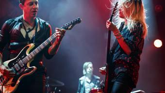 Beste Freunde, seit 15 Jahren zusammen auf der Bühne: Jamie Hince (links) und Alison Mosshart alias The Kills. (Archivbild)