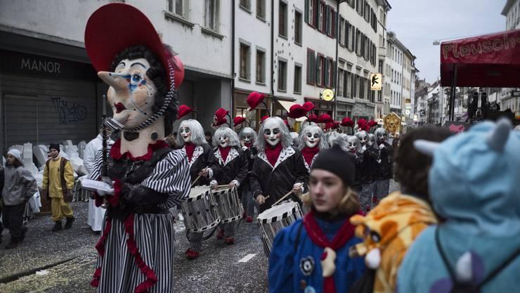 Die Basler Fasnacht ist nicht nur eine erfolgreiche Symbiose zwischen Volkskultur und Kunst, sondern auch zwischen Städtern und Landschäftlern.