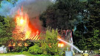 Ernstfall: Einsatz der Feuerwerhr Solothurn bei einem Hausbrand im Steinbruch Bargetzi. (nst)
