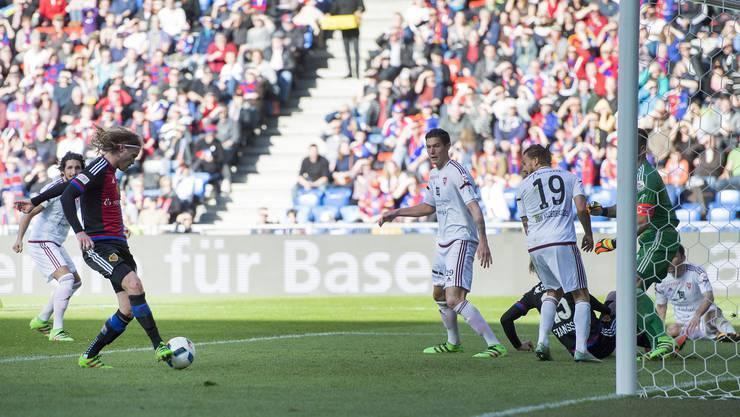 Doppeltorschütze Birkir Bjarnason erzielte die Basler Tore 4 und 5.