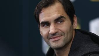 Roger Federer ist in Paris-Bercy nach der Aufgabe von Milos Raonic kampflos eine Runde weiter