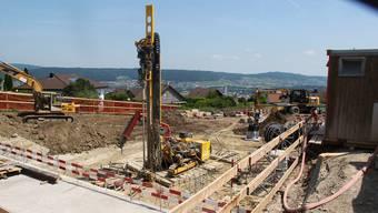 Bergdietikon wächst auch in Zukunft. Wie genau, bestimmt die neue Bau- und Nutzungsordnung. Im Bild die heutige Baustelle für die «Kindhousing»-Siedlung.