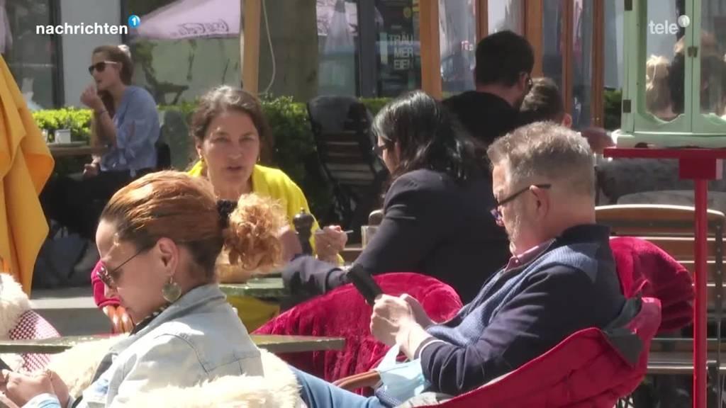Die schwierige Einhaltung der Coronamassnahme auf Terrassen
