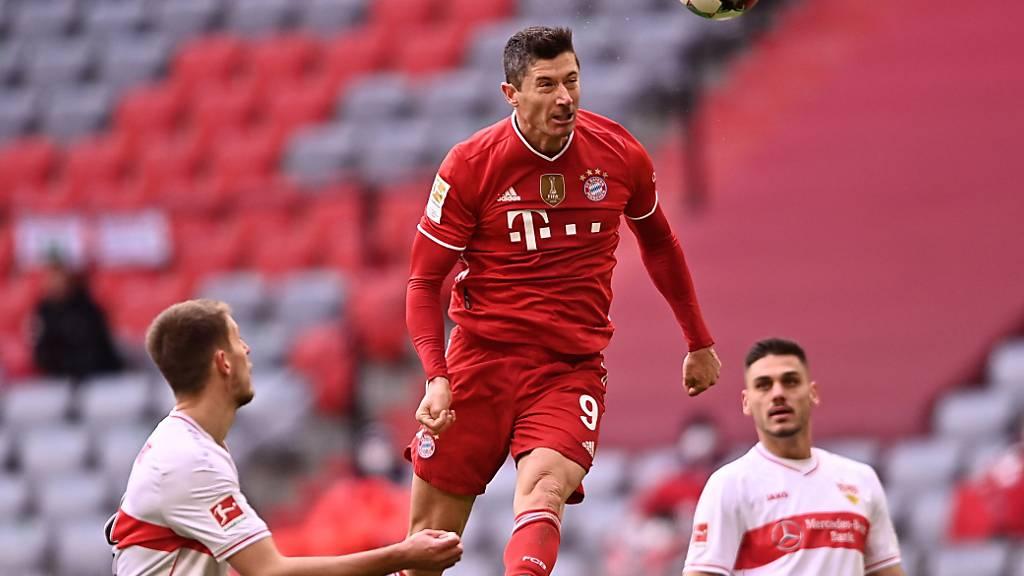 Robert Lewandowski und Bayern München liessen sich auch durch eine frühe Rote Karte nicht aus dem Konzept bringen