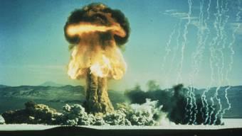 «Die Schweiz war immer ziemlich weit davon entfernt, eine eigene Atombombe zu entwickeln», sagt Marco Jorio, Ex-Chefredaktor des Historisches Lexikons