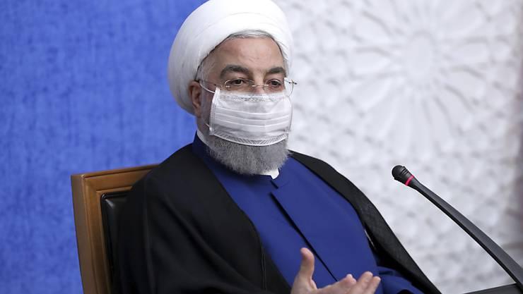 HANDOUT - Iran Präsident Hassan Ruhani in Teheran. Foto: Uncredited/Office of the Iranian Presidency/AP/dpa - ACHTUNG: Nur zur redaktionellen Verwendung im Zusammenhang mit der aktuellen Berichterstattung und nur mit vollständiger Nennung des vorstehenden Credits
