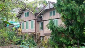 Fast für ein Butterbrot kam das 150-jährige, holzdekorierte «Schweizerhaus» unter den Hammer.